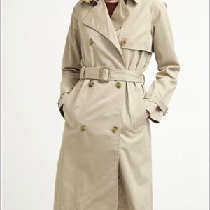 Women's Gap Trench coat !